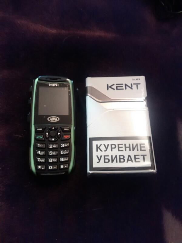 Сравнение мобильника с пачкой сигарет