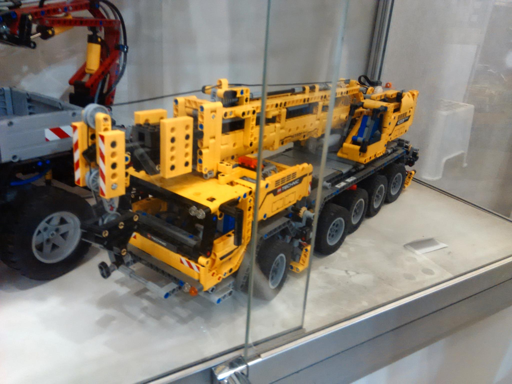 Кран. Музей LEGO