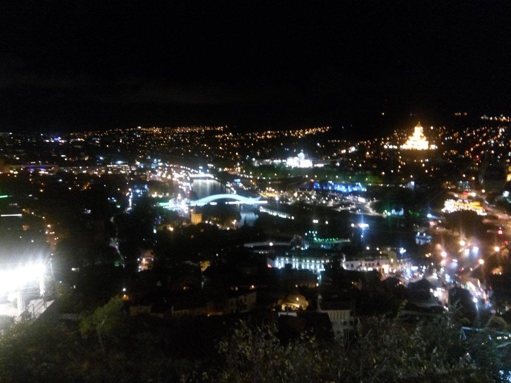 Грузия. Тбилиси. Вечер