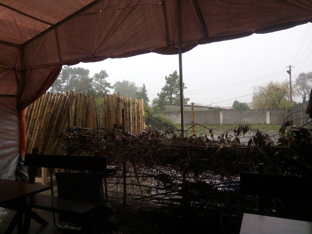 Грузия. Уреки. Дождь