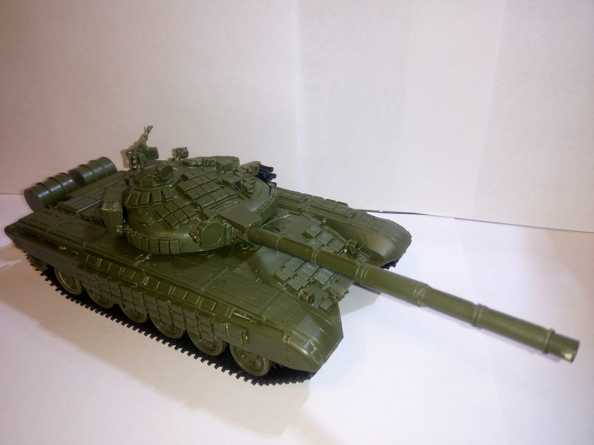 Модель Т-72 с активной бронёй, масштаб 1:35, фирма ZVEZDA