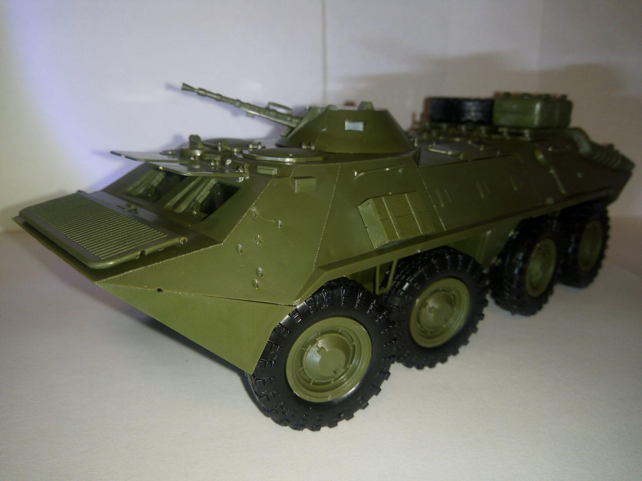 Модель БТР-70, масштаб 1:35, фирма ZVEZDA