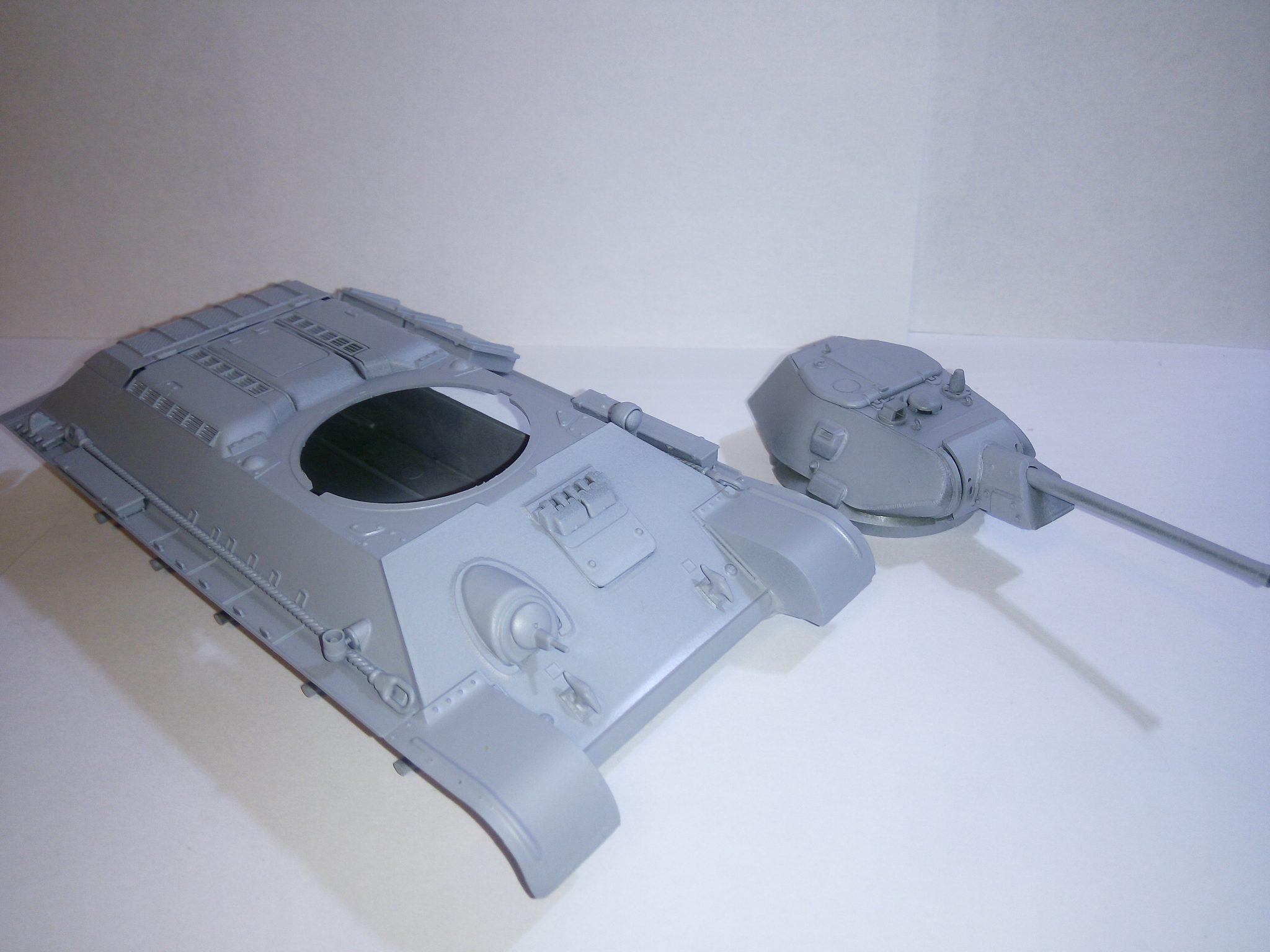 Модель Т-34 после грунтовки