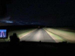 Дорога во Франции рано утром