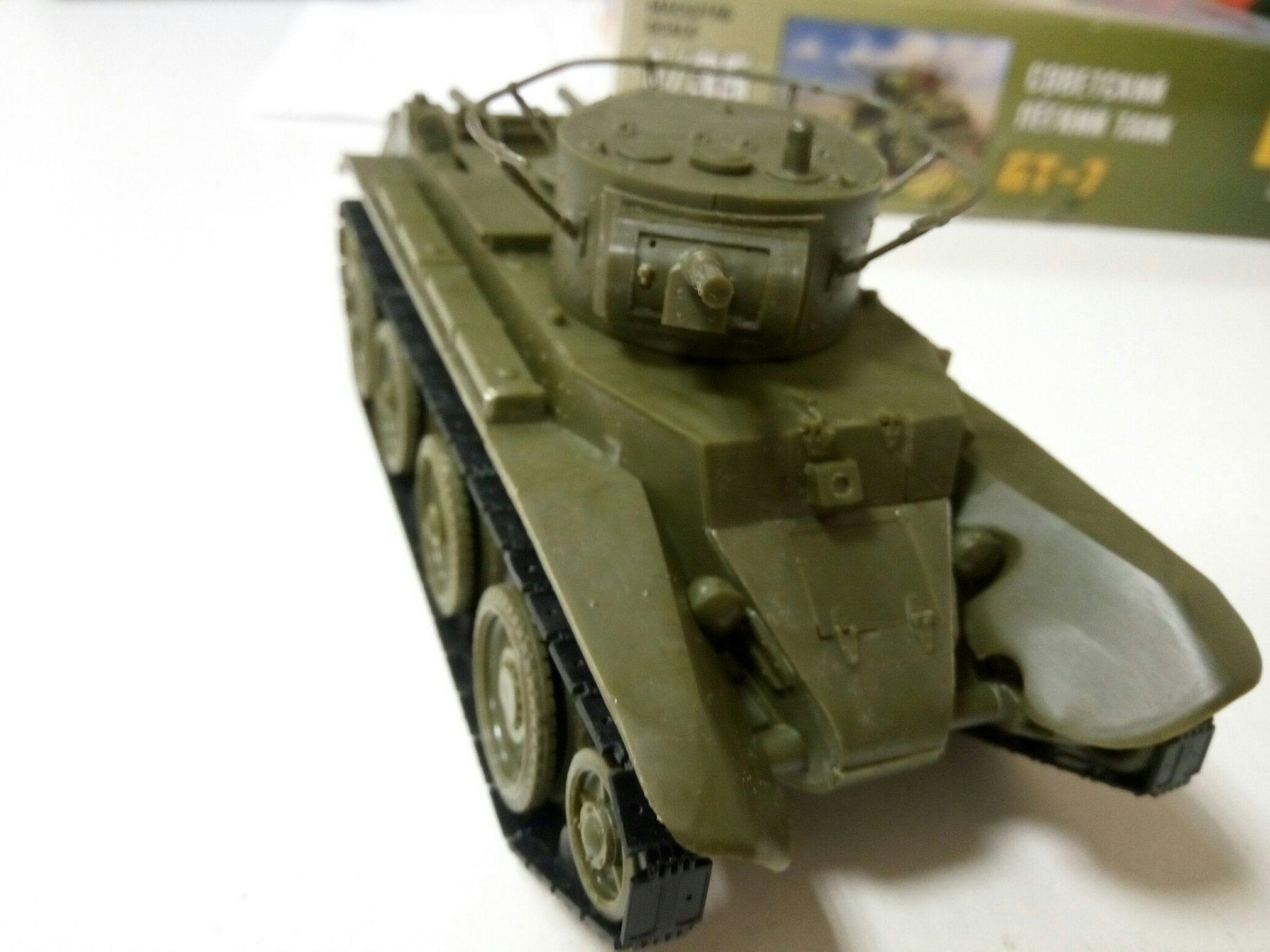 Модель колесного танка БТ-7 в масштабе 1:35