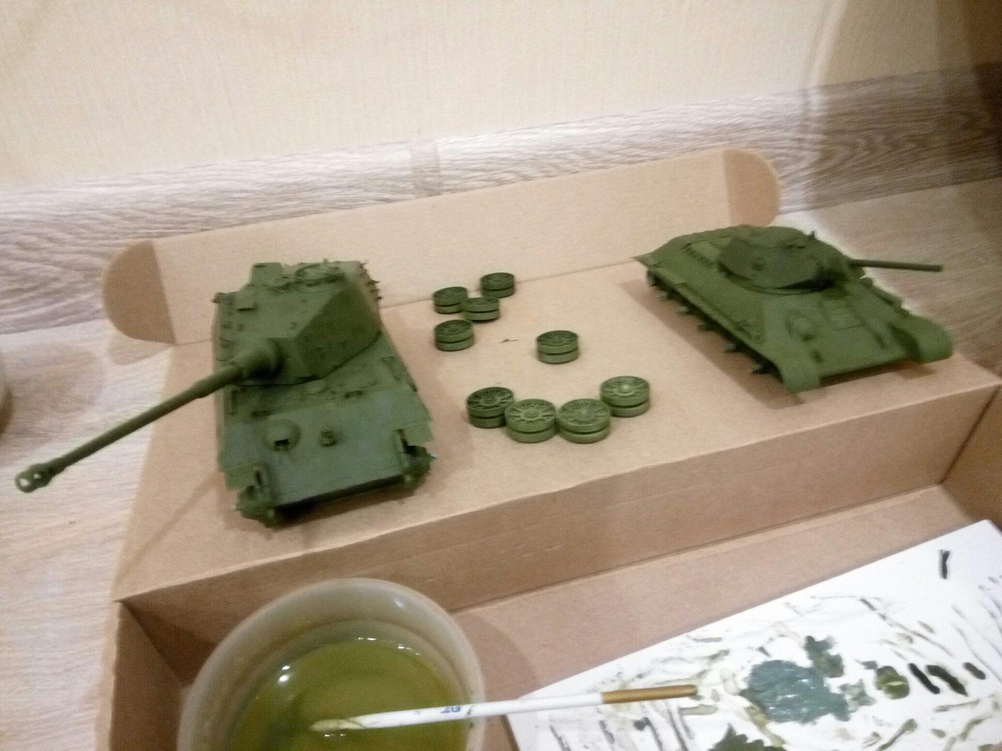 Модель Тигра и Т-34 в масштабе 1:35